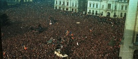 25 DE ANI DE LA CĂDEREA COMUNISMULUI (V). Teorii, presupuneri și speculații despre Revoluția Română din Decembrie 1989